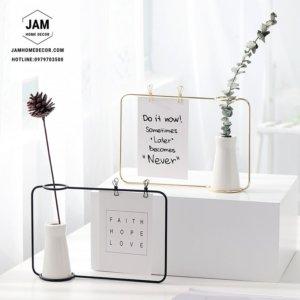 Khung sắt bình gốm cấm hoa để bàn trang trí